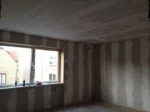 Maling af stue i hus